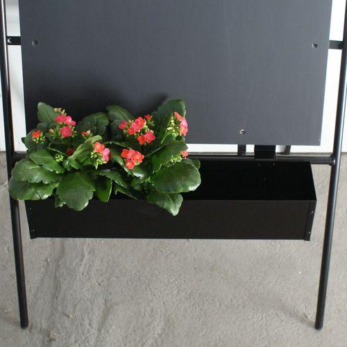 blomsterkasse til skilt,blomsterkasse,altankasse,blomster,blikfang,skiltetilbehør,surrow,gadeskilte,facade,metal blomsterkasse