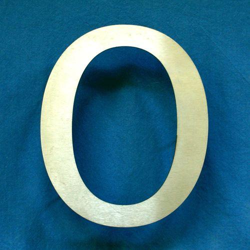 Facadebogstaver,husnumre,bogstaver,udskårne bogstaver,bogstaver i rustfri stål,tal i rustfri stål,udskårne tal,tal,Surrow Skilte