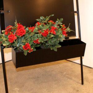 blomsterkasse til skilt,blomsterkasse,blikfang til skilt,skilt,skilte,blomster,butiksskilte,smedejernsskilte,Surrow Skilte,skiltetilbehør
